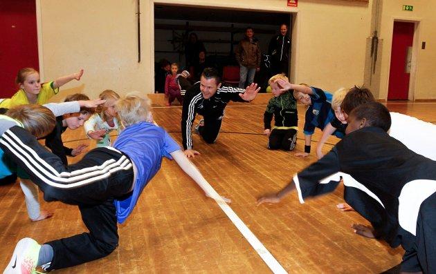 Øyvind Reinfjell var gjestetrener da vi var på beøsk på Mosjøen skole.