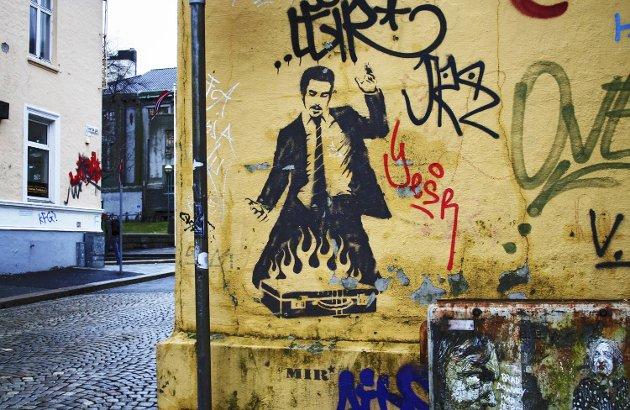 Statens vegvesen vil fjerne grafitti innen 24 timer i Bergen. Her fra Sverres gate.
