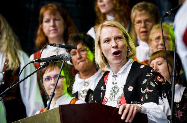 HOVEDTALER: Anniken Huitfeldt snakket om norsk nasjonalisme, som handler både om stolthet over det norske, men også om å tenke på andre. FOTO: BENJAMIN A. WARD