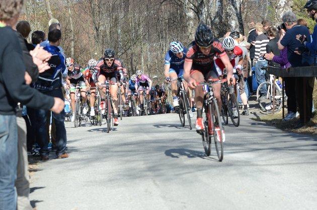 Mange tråkket skikkelig til i Riperbakken under Ringerike Grand Prix. Da hjalp det med mye tilskuere i bakken.