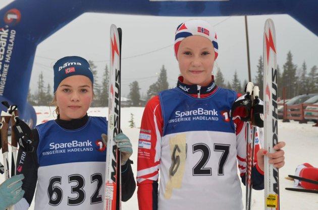 15 ÅR: Oda Støen Kolkinn fra SÅS (til venstre) ble nummer to og Helle Hagen fra Brandbu nummer tre.