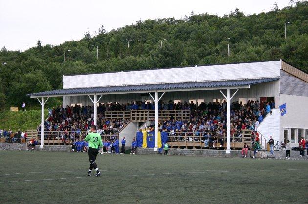 Publikum på SIL - Mosjøen 2-3, Stamnes Arena, 3. august 2011. 370 betalende tilskuere.