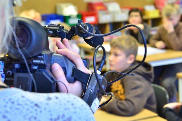 Klasse 4B ved Aursmoen skole ble filmet til et innslag i Supernytt på NRK.