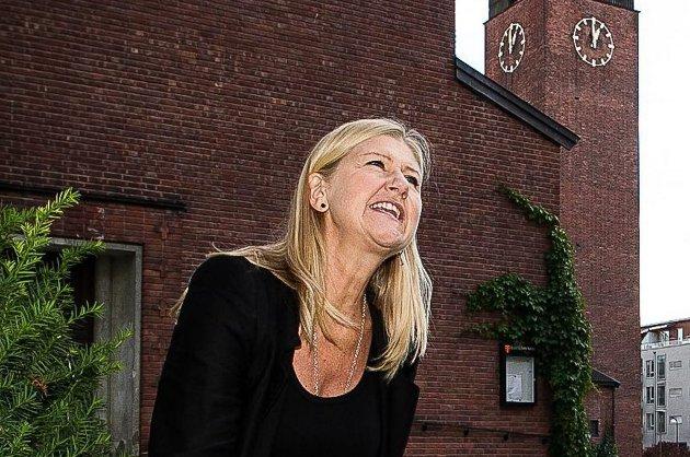 PÅ HJEMMEBANE: Anne Grete Preus fotografert i kirkeparken i Lillestrøm i sommer. Byens rike musikkmiljø formet henne. Foto: Kay Stenshjemmet