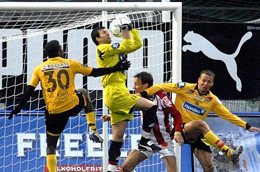 SJANSER: LSKs Olivier Occean og Arild Sundgot hadde flere muligheter til å score, men klarte det ikke.