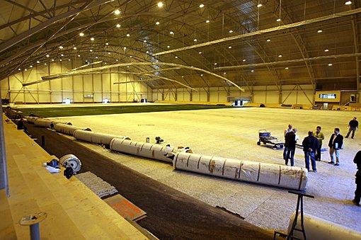 STOR: Den nye hallen er stor og vil bli en god arena for fotball vinterstid.