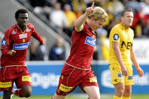 FINGER I VÆRET: LSK leder 1-0 på Aspmyra. FOTO: SCANPIX