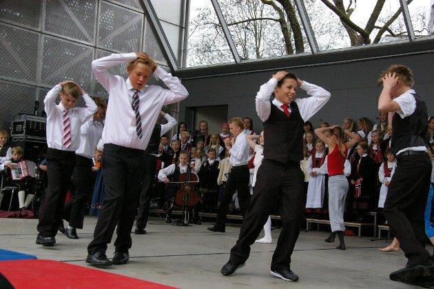 Underholdning ved Fredheim skole.