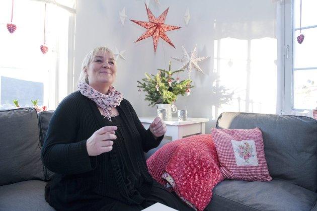 Cecilie Abrahamsen, alias Emmeline, har snart to millioner unike brukere på bloggen sin. - Helt vanvittig, jeg er jo bare en lygeblogger, smiler hun. her fra julesalongen.