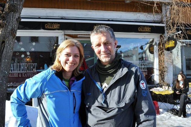 Marianne Bohlin Svendsen og Annar Hansen koste seg på skitur til Eikedalshytta