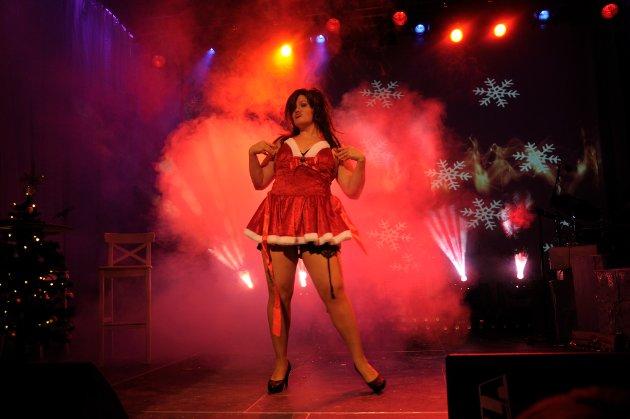 O jul med din glede: Marie Risan i sexy innpakning