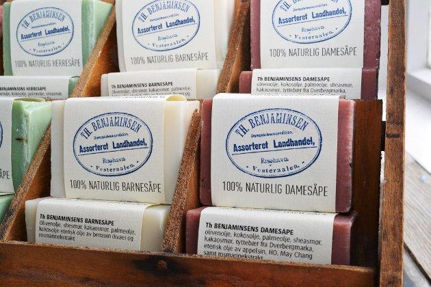 Håndlagde såper fra Alveland såpeverksted spesial-designet for Th. Benjaminsen.