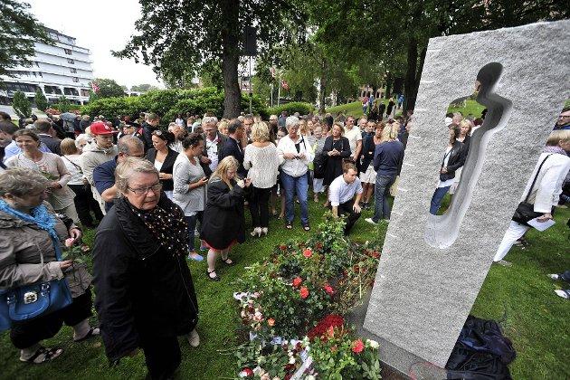 Minnemarkering etter 22 juli i Kirkeparken.