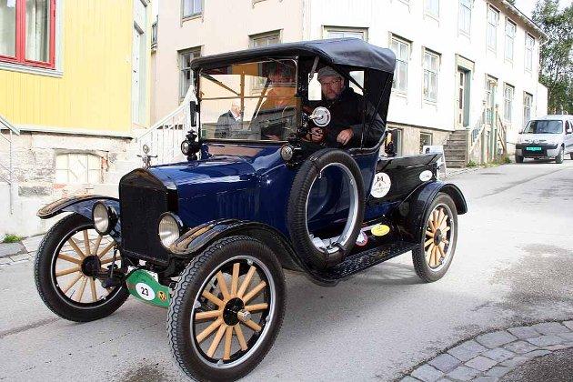 Sven-Olov Hansson fra Sundsvall i Sverige i sin T Ford 1920 modell.