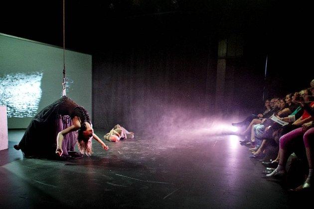 Dansegruppen Happy Gorilla Dance Company. Susanna Fjørtoft og Kjartan Andersen.
