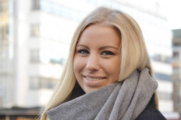 4 på gaten om DE HAR EN HYTTEDRØM- IDA HELEN JOHNSEN 21 år, sentrum- Drømmer om en stor hytte ved vannkanten på Hvaler. Med utestamp og brygge til båtene