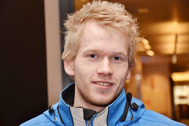 4 på gaten om DE HAR ET AKTIVITETSTIPS- ADRIAN BENONISEN 21 år, Ask-  Ta toget til Voss og stå på ski. Gå på kino, spill bowling eller fest med venner.