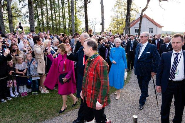 Feiring av !7. mai og 200 års-jubileum for Grunnloven på Eidsvoll.   Vår egen Konge-familie feiret sammen med Kongefamiliene fra Danmark og Sverige.
