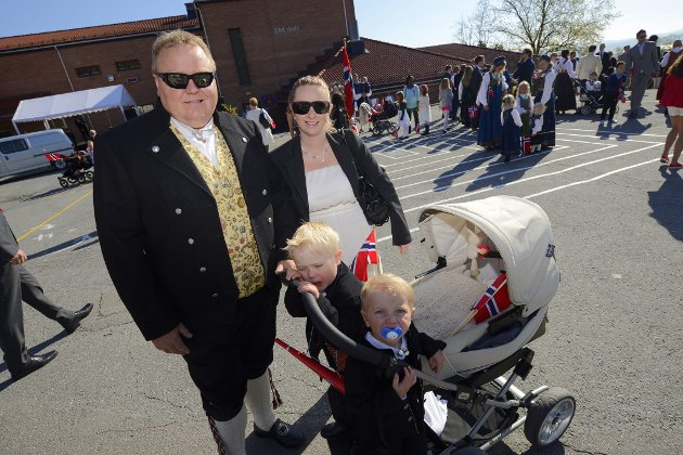 VED RUD SKOLE: Arne, Lillian, Anton, Nicolai Nærud. FOTO: Vidar Sandnes