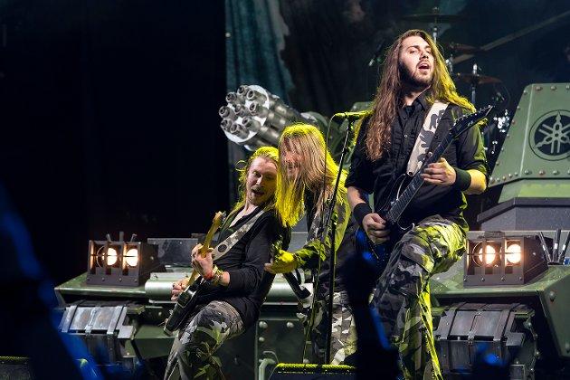 Det svenske bandet Sabaton med egen tanks på scenen. Drømmen om å innta Fredriksen lever kanskje fortsatt i Sverige?