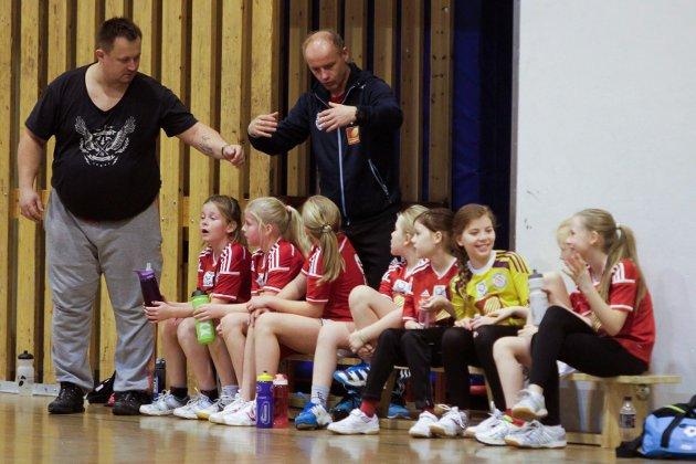 Håndball. Kamper i Kippermohallen mellom MHK og SIL i jenter 10 og gutter 10. Trenere MHK Svein Erik Digermul og Einar Johnsen