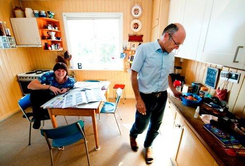PÅ TINGET: Først i går gikk det opp for SVs Aksel Hagen at han ikke skal bo hjemme hos samboer Turid Thomassen de neste fire årene. Foto: Erik Lindholm Hansen