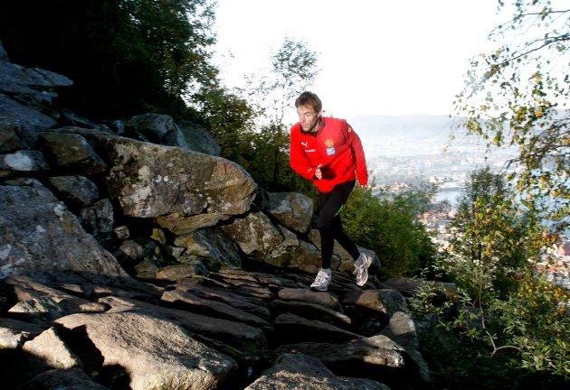 Jon Tvedt tok med BA i Stoltzekleiven før fjorårets løp. - Egentlig er trening noe jeg bare kan anbefale for å takle press og utfordringer av mange slag. Idrett kan være utviklende, du lærer å stole på deg selv og du kommer nærmere deg selv.