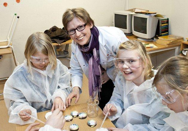 Eleveri 5. klasse på Nanset skole vil prøve seg på forskerkurs Anne  Foto: EriK Berge