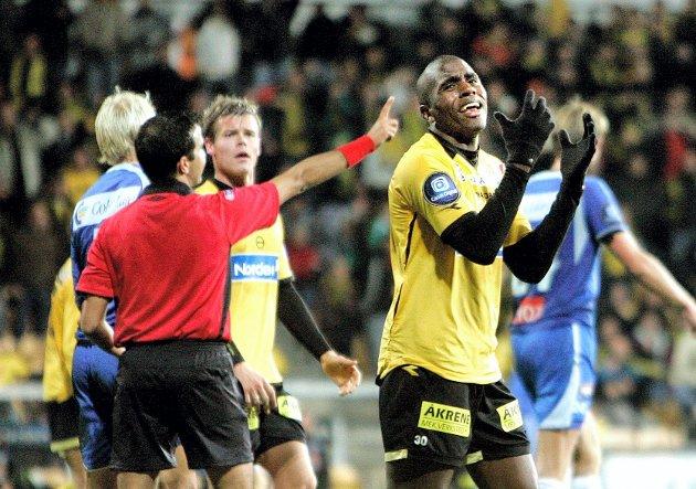 FORTVILET: Olivier Occean fortviler etter at målet hans ble annullert. ALLE FOTO: ROAR GRØNSTAD