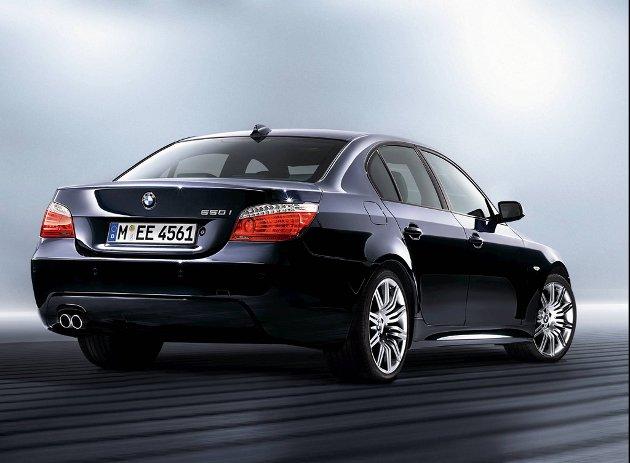 I kjent stil har BMW laget mange forskjellige 5-modeller. Her den sportslige 550i.