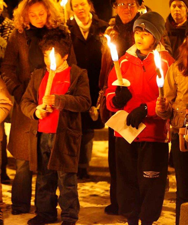 Fakkeltog til minne om jødene fra Bergen som ble deportert til Auschwitz 26. november 1942 (26.11.2007).