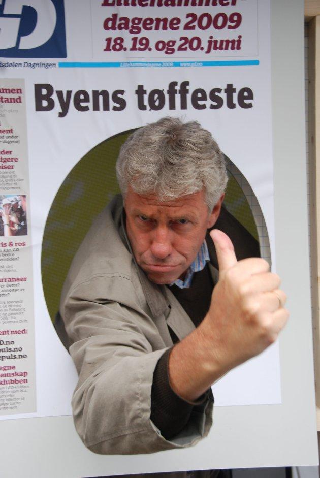 - Tøffest i byen? - Det er klart. Jeg er med, sier Ivar Ødegaard, og det er ingen tvil, han er garantert høyt oppe på lista etter dette bildet.