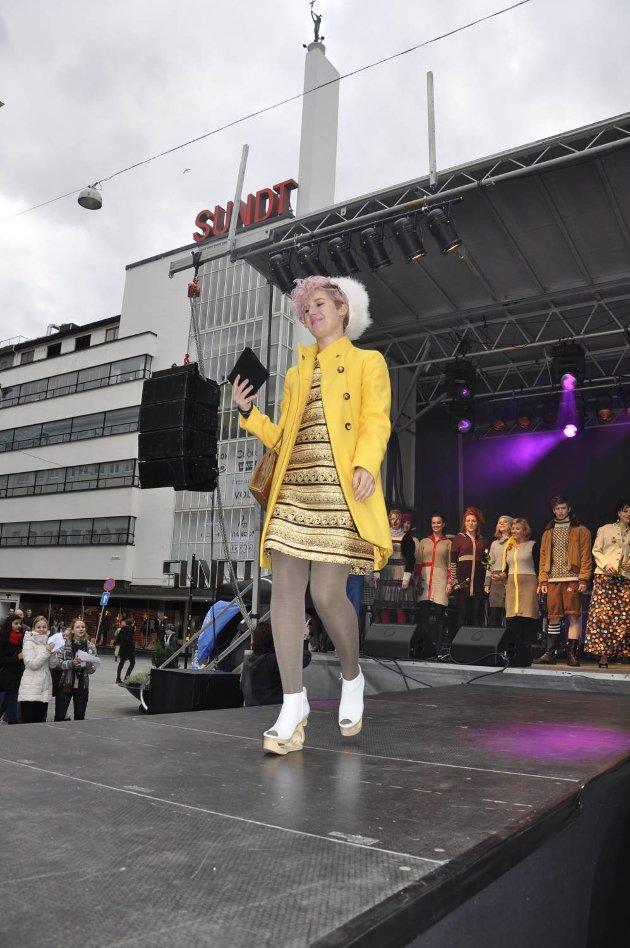 Moteshow på Torgallmenningen. Fokus på gjenbruk (29.10.2011).
