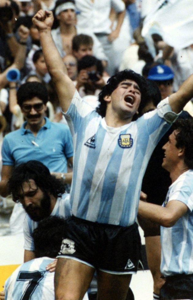 10. 1986, VM-finalen, Argentina-Vest-Tyskland 3-2.  Dette var Maradonas VM. Jeg kunne like godt valgt England mot Argentina i kvartfinalen, men i finalen fikk vi se Argentina, Vest-Tyskland og Maradona på sitt beste. Det ble en verdig avslutning på et stort VM. Dessuten var det en eventyrlig interesse for mesterskapet i Mexico. FOTO: DPA / NTB SCANPIX