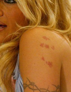 "På ryggen tatovering Tatoveringer: ""Jeg"