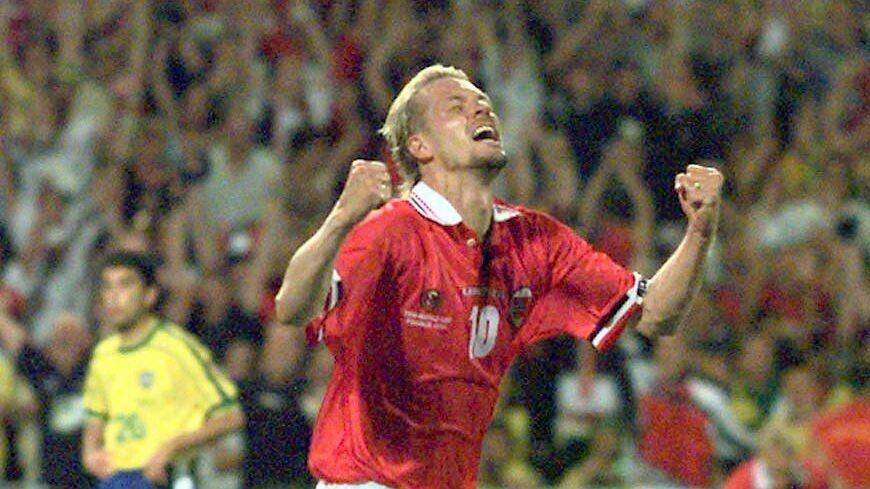 2e0d54f9 Kjetil Rekdal jubler uhemmet etter å ha gitt Norge ledelsen i VM-kampen mot  Brasil