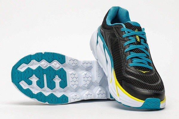 a03a46a3 En sko med veldig god komfort, men det gjelder fortrinnsvis for løpere med  brede føtter. Dempingen omtales som «fantastisk» av testpanelet, og flere  trekker ...