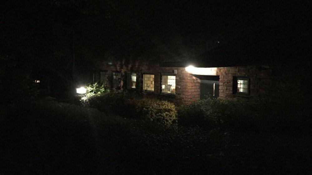 Klikk på bildet for å forstørre. Bilde av boligen der basketaket skjedde.
