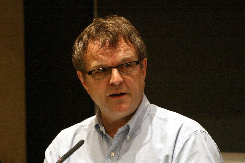 Klikk på bildet for å forstørre. Olav Torvund, her under en debatt om fildeling på Universitetet i Oslo i fjor. FOTO: Kjetil Ree/Wikimedia Commons