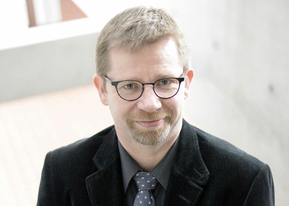 Klikk på bildet for å forstørre. Professor Håvard Hansen ved Universitetet i Stavanger er ekspert på markedsføring mot konsumenter.