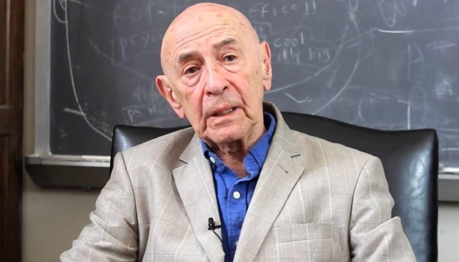 Klikk på bildet for å forstørre. PSYKOLOG Walter Mischel står bak studien fra 70-tallet. Han døde i 2018.