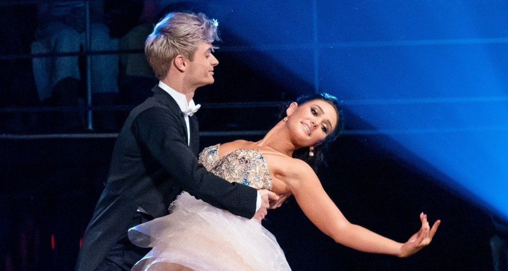 Klikk på bildet for å forstørre. Skal vi danse - Program 11 9. november 2019 Skal vi Danse, program 11, semifinale. Victor & Rikke under semifinalen i Skal vi danse.