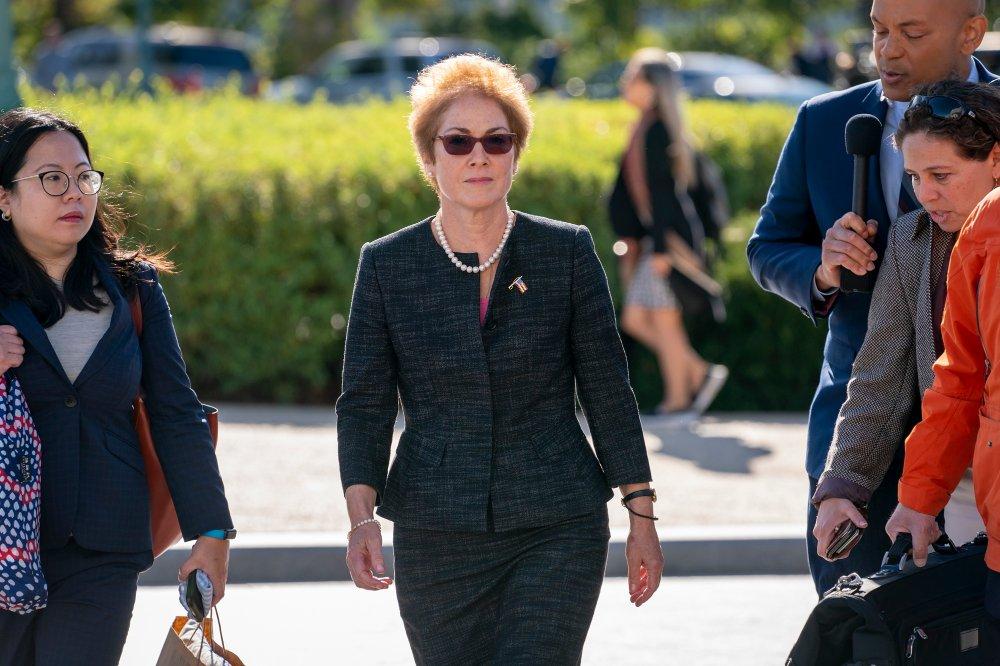 Klikk på bildet for å forstørre. Fredag skal USAs tidligere ambassadør til Ukraina, Marie Yovanovitch, vitne.