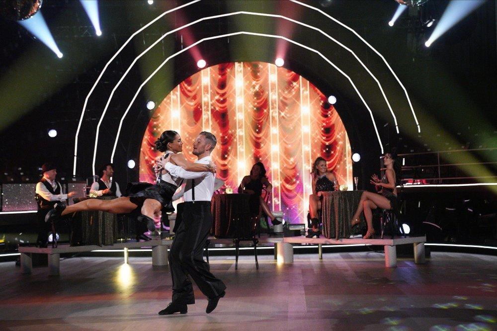 Klikk på bildet for å forstørre. Skal vi danse - program 12 finale 2019 Jørgine Vasstrand og Jørgen Nilsen danser Showdans til Hey Pachuco! / Royal Crown Revue\r\rSkal vi danse - program 12 Finale\rBildene kan kun brukes av media i forbindelse med omtale av TV 2 eller TV 2s programmer.\rFOTO: Espen Solli / TV 2
