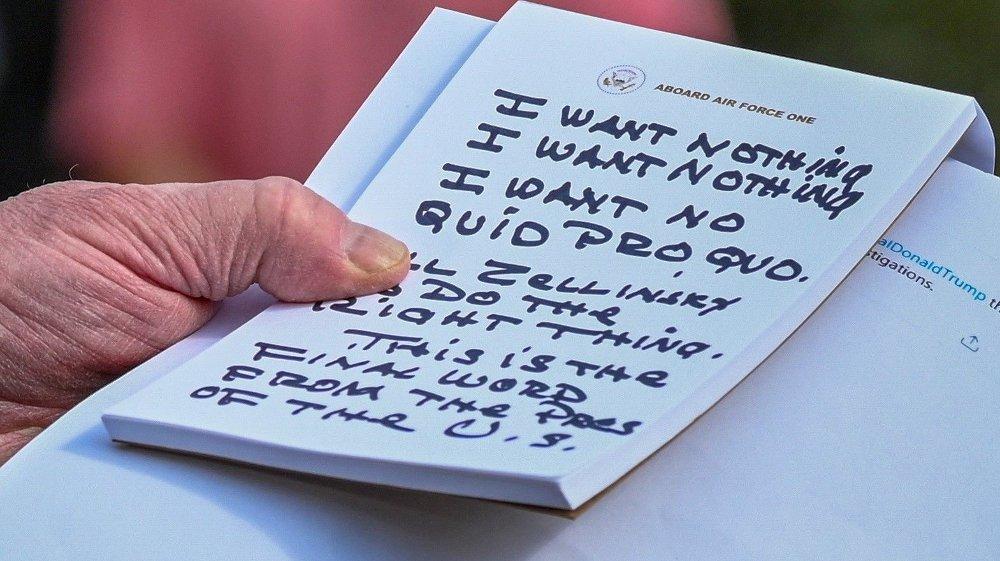 Klikk på bildet for å forstørre. Her er de håndskrevne notatene til president Donald Trump.