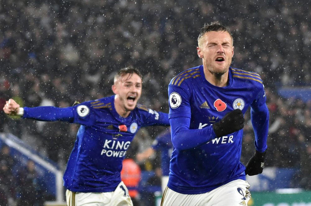 Klikk på bildet for å forstørre. Leicesters Jamie Vardy jubler etter scoring mot Arsenal.