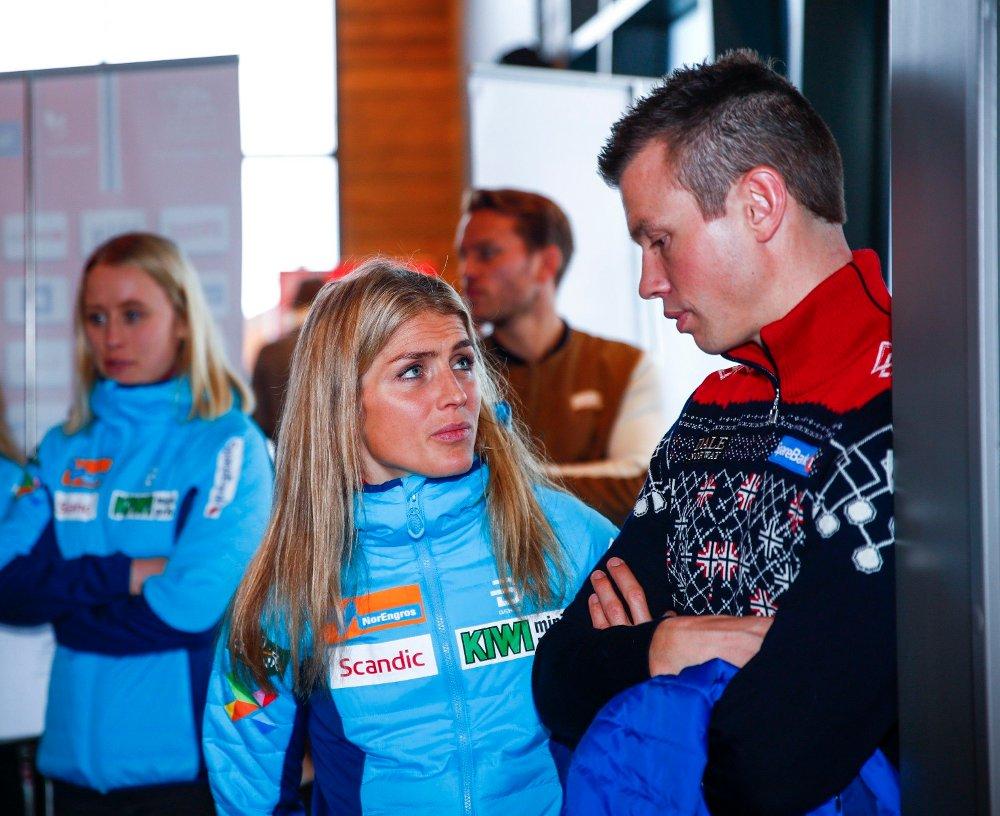 Klikk på bildet for å forstørre. Therese Johaug og trener Geir Endre Rogn th. pressetreffet på Beitostølen.