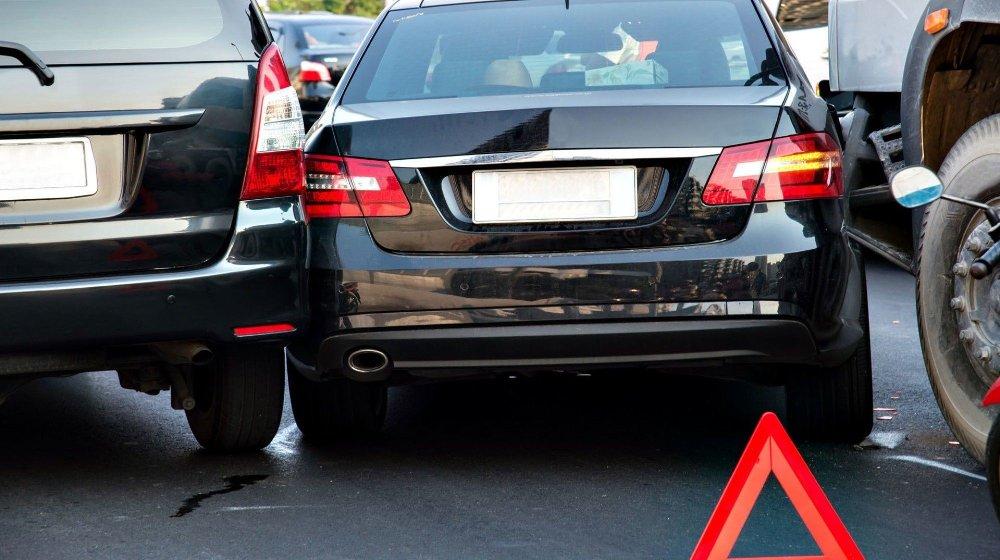 Klikk på bildet for å forstørre. Parkeringsplasser er særlig utsatt denne uken, her skal det ikke mye til før det blir skader.