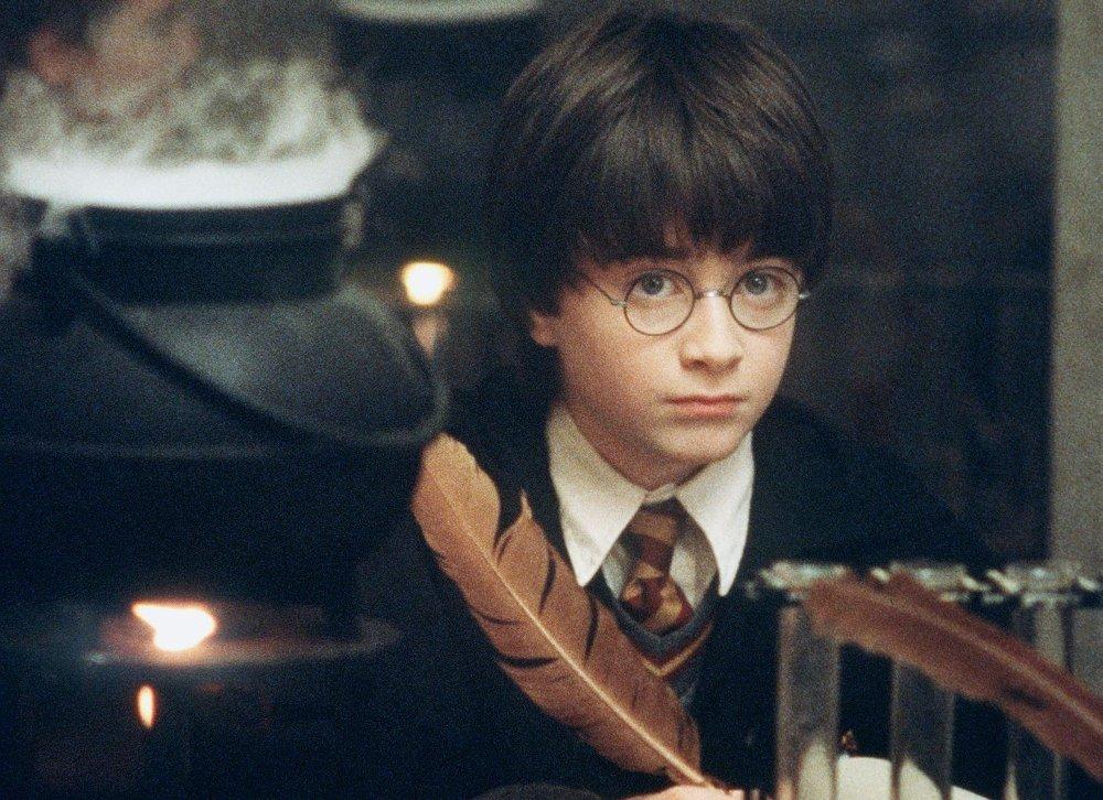 Klikk på bildet for å forstørre. TOK AV: Daniel Radcliffe ante nok lite om hvilken suksess han var med på da han som liten gutt fikk rollen som Harry Potter. Dette bildet er fra den første filmen «Harry Potter og de vises stein».