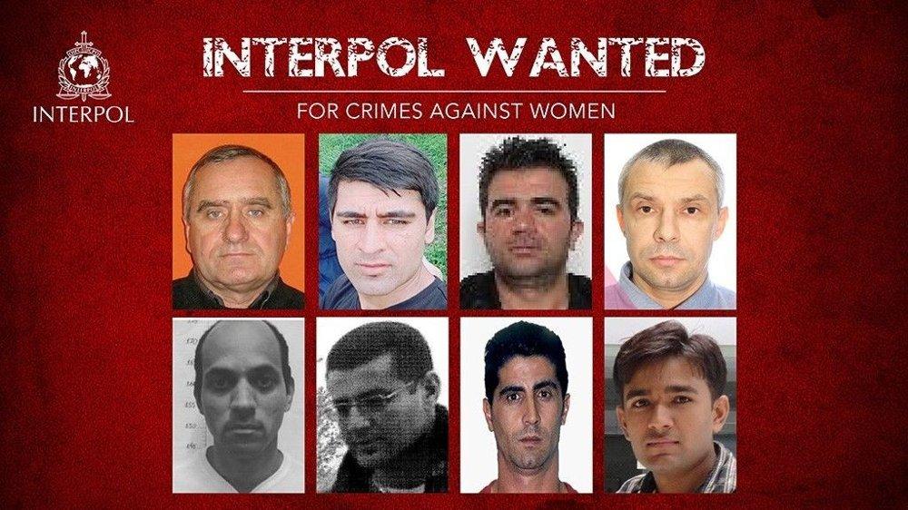 Klikk på bildet for å forstørre. Åtte personer er etterlyst internasjonalt i forbindelse med Interpols most wanted-kampanje. Alle åtte er etterlyst for vold mot kvinner.